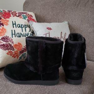 New with box! UGG black Hadley II waterproof boots